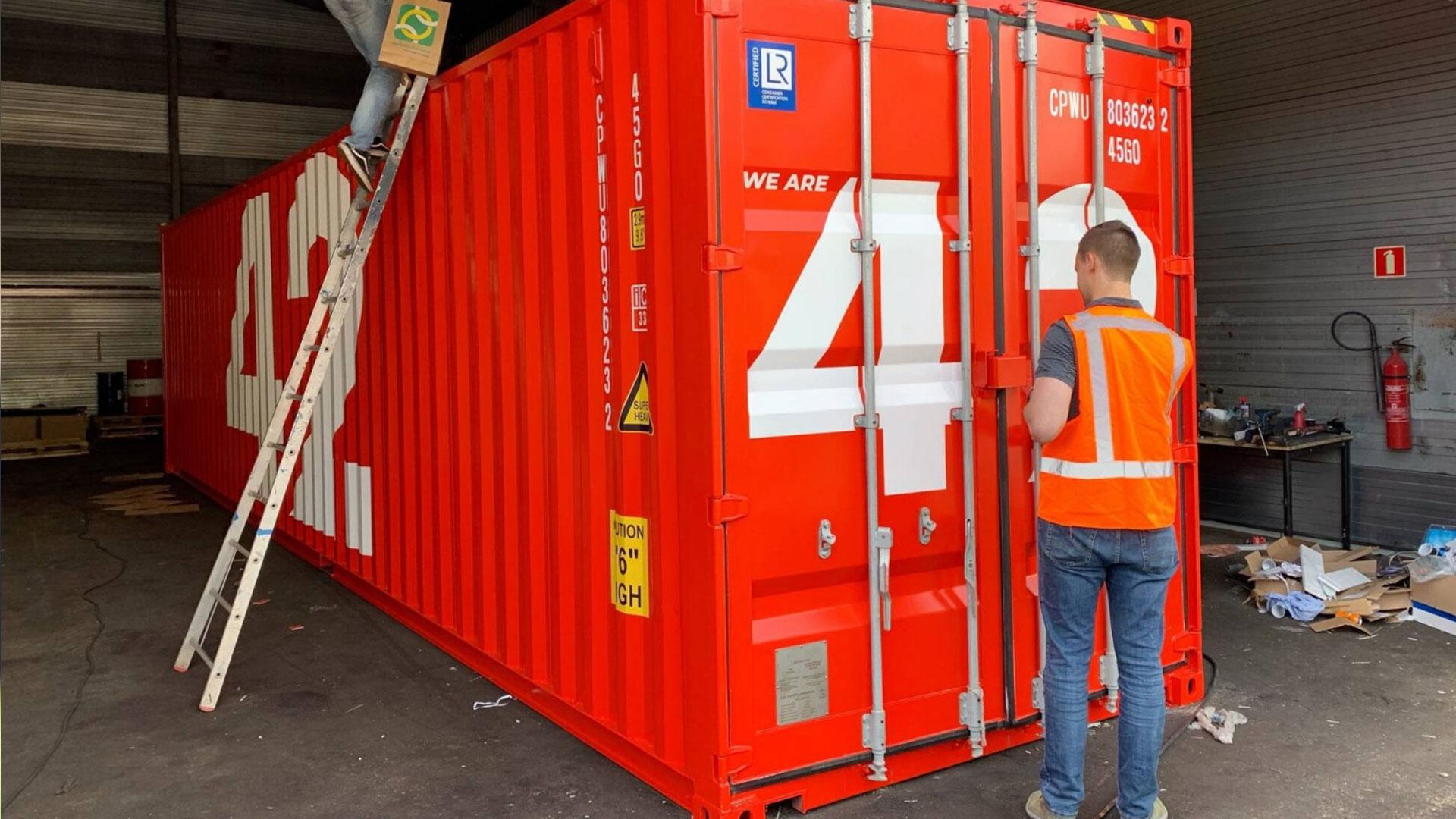 Rotterdamse haven stuurt 'slimme' container op wereldreis (NL)